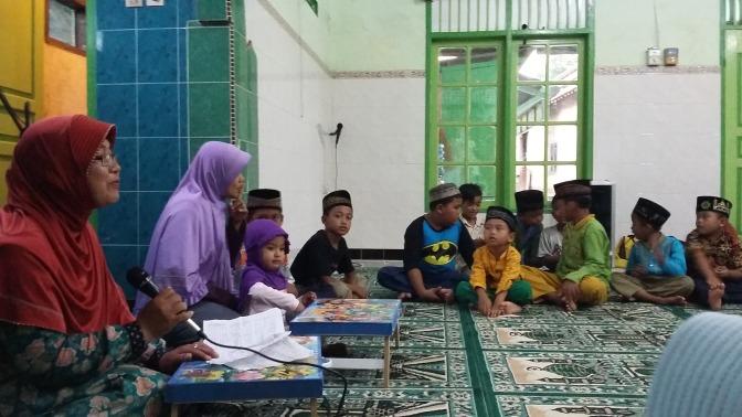 Pesan Bijak Ustadzah Murti di 'Ibuku Ustadzahku #5' TPA Al Barokah Sirnoboyo
